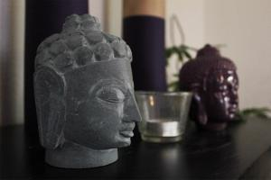 byoga buddha statue